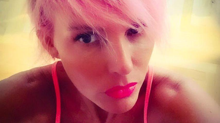 Natascha Ochsenknecht hat sich die Haare rosa gefärbt