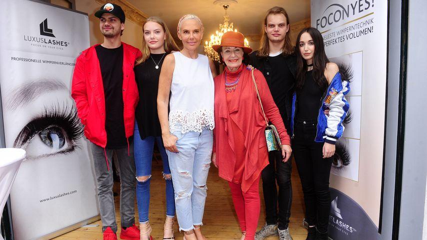 Natascha Ochsenknecht mit ihrer Familie bei ihrer Shop-Eröffnung 2016 in Berlin