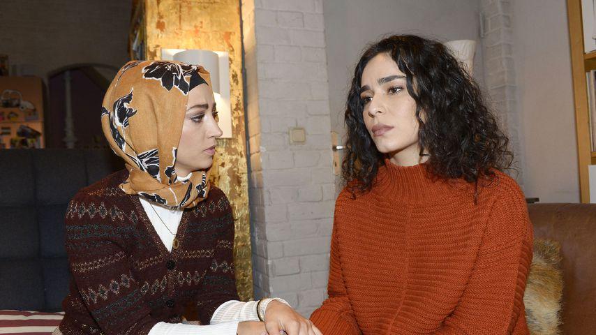 "Nazan (Vildan Cirpan) und Shirin (Gamze Senol) bei ""Gute Zeiten, schlechte Zeiten"""