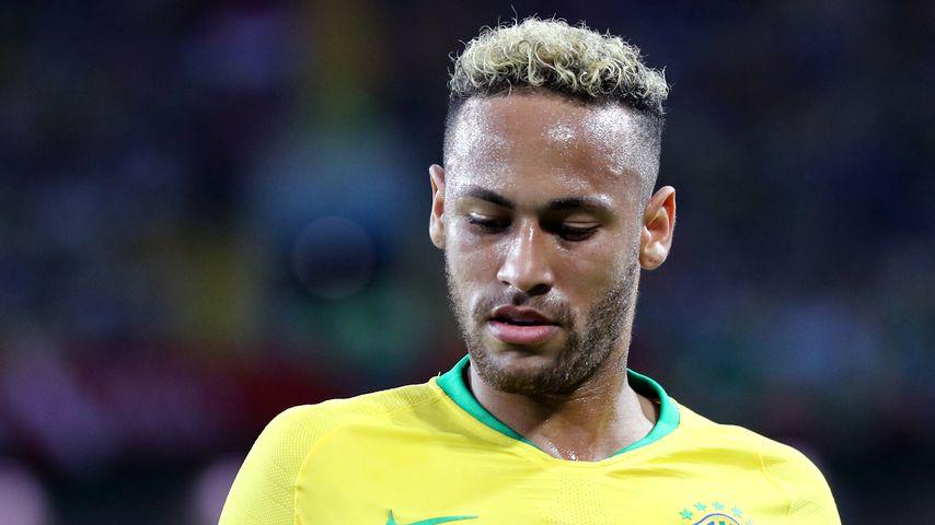 Spaghetti ade! Überzeugt Neymar mit seinem Look-Wechsel?