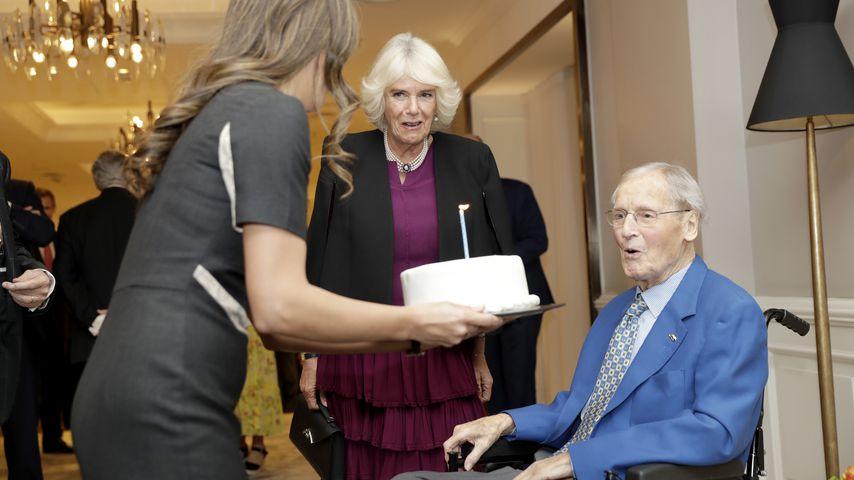 Nicholas Parsons zu seinem 95. Geburtstag im britischen Königshaus mit Herzogin Camilla
