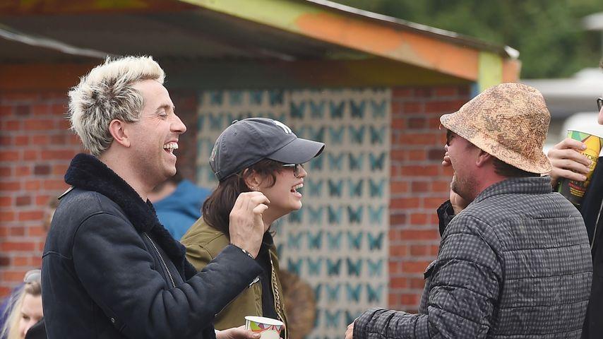 Nick Grimshaw und Alan Carr beim Glastonbury Festival 2016