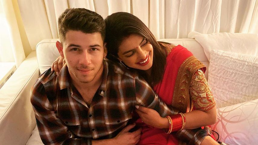 Priyanka im traditionellen Look bei Jonas-Brothers-Konzert