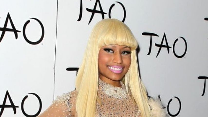 Nicki Minaj im hautfarbenen Ganzkörper-Body