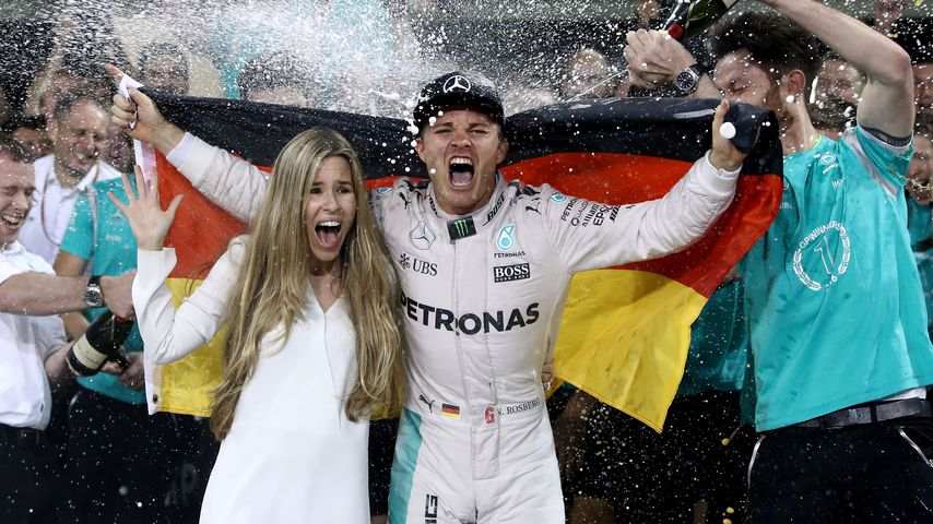 Endlich Weltmeister! Nico Rosberg im Partyrausch