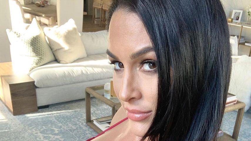 Nikki Bella mit Schwangerschaftsbauch im Jahr 2020