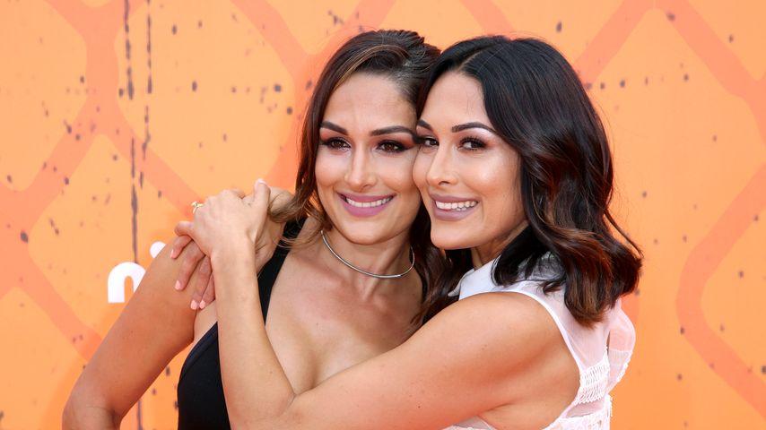 Nikki Bella und Brie Bella bei den Kids' Choice Awards