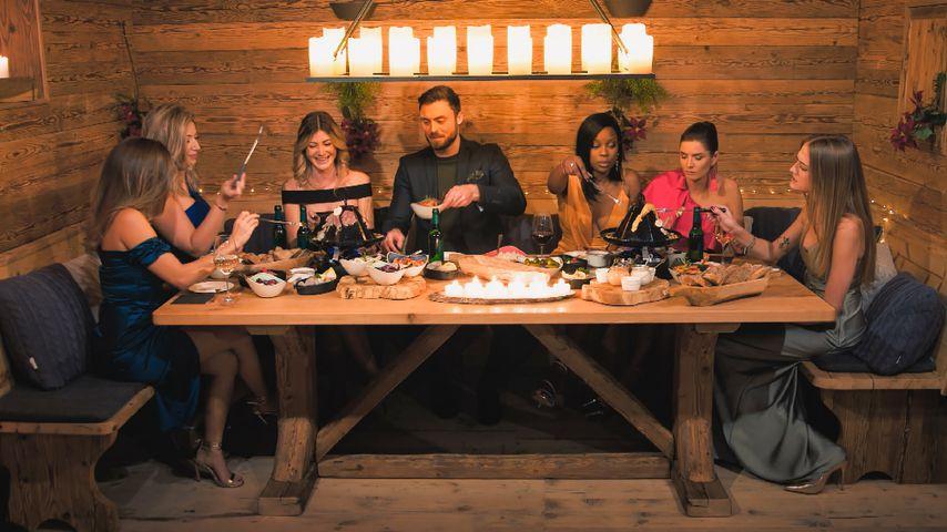 Niko Griesert mit den letzten sechs Bachelor-Girls