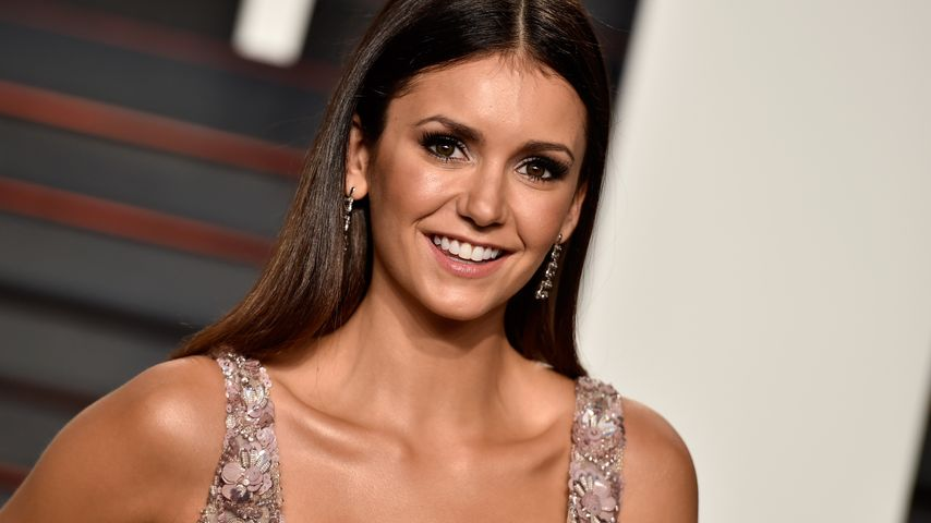 "Nina Dobrev bei der ""2016 Vanity Fair Oscar Party Hosted By Graydon Carter"""
