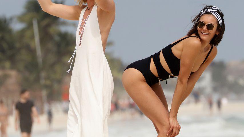 Wie verführerisch! So sexy albert Nina Dobrev am Strand rum