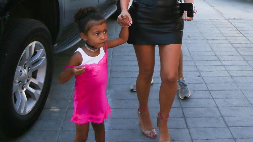 North West und Mama Kim Kardashian