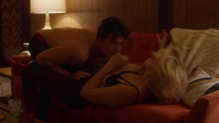 "Orlando Bloom und Malin Akerman in ""Easy"""