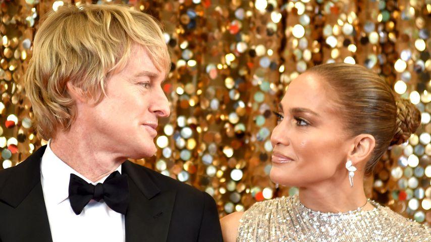 """Owen Wilson und Jennifer Lopez bei den Dreharbeiten zu """"Marry Me"""" in New York, Oktober 2019"""