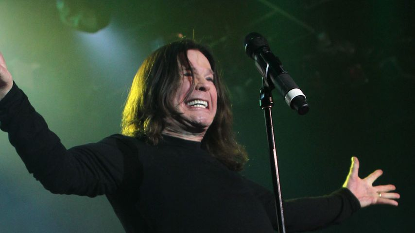 Ozzy Osbourne in Not! Brand beim Bacon brutzeln