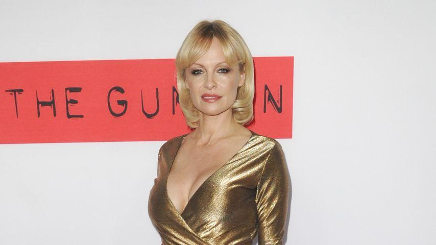 Goldene Lady: So chic sieht Pamela Anderson aus