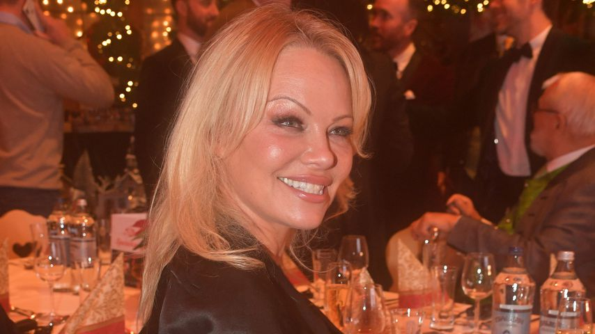 Pamela Anderson in Henndorf am Wallersee, November 2019