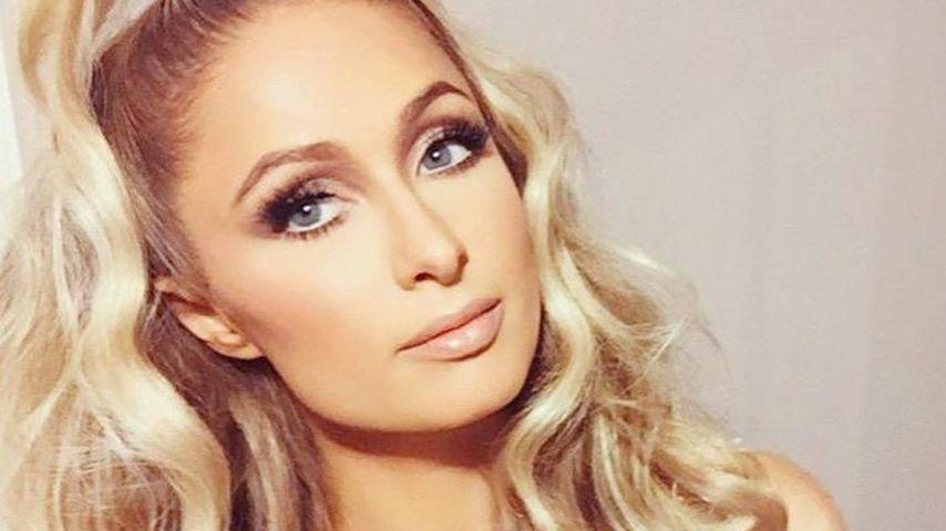 Sexy Selfie-Show: Paris Hilton zieht beinahe wieder blank!