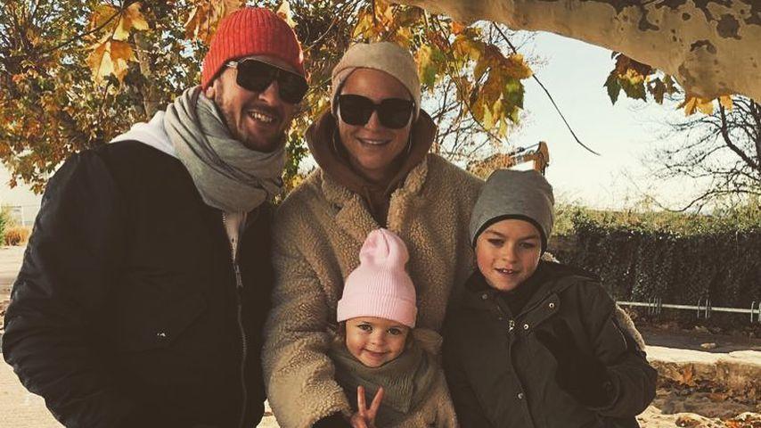 Pascal und Angela Hens mit ihren Kindern Mila und Noah im November 2018 in Hochheim am Main