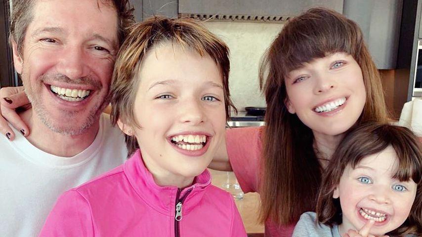 Süßer Schnappschuss von Milla Jovovich und ihrer Familie!
