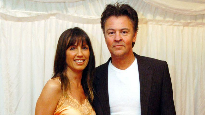 Paul Young und seine Frau Stacey bei einem TV-Dreh 2004