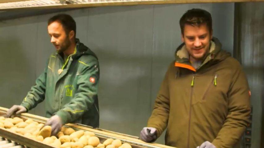 Bauer Peter und Bauernreporter Ralf
