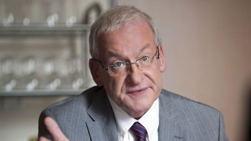 Peter Zwegat, Schuldnerberater