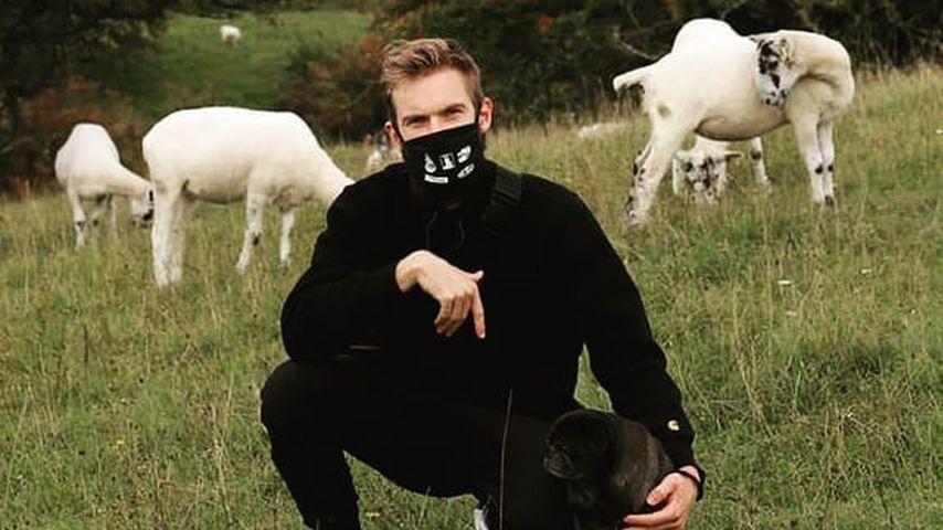 PewDiePie mit seinem Hund Edgar