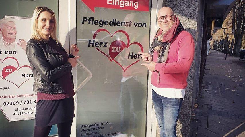 Pflegedienst-Inhaberin Kristina Hertes und Schlagerstar Olaf Henning im November 2020