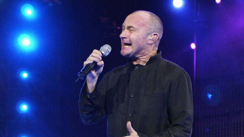 Phil Collins bei einem Konzert in Paris im Juni 2004