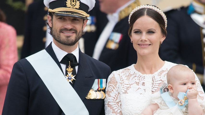 Prinz Carl Philip, Prinzessin Sofia und Prinz Alexander von Schweden bei dessen Taufe in Stockholm