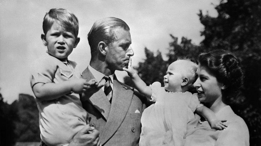 Prinz Charles, Prinz Philip, Prinzessin Anne und Queen Elizabeth II., 1951