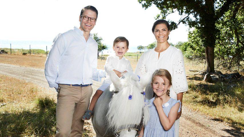 Prinz Daniel und Prinzessin Victoria mit ihren Kindern Prinz Oscar und Prinzessin Estelle