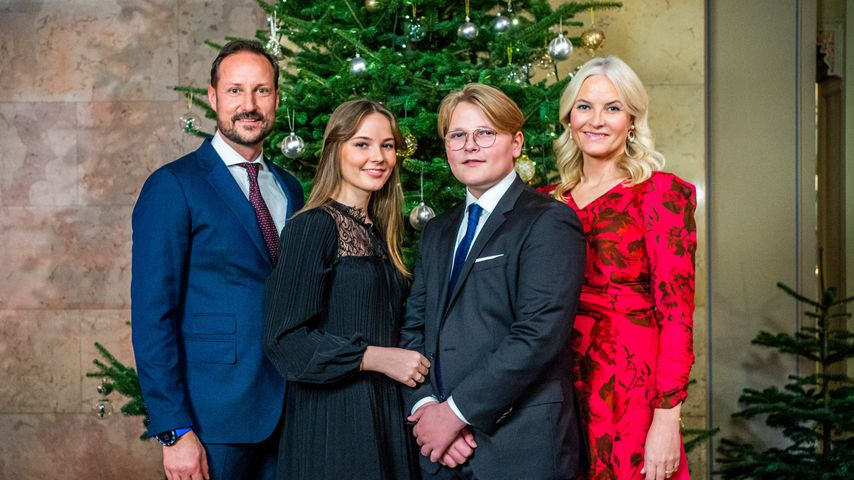 Ganz weihnachtlich! Neues Familienfoto der Norwegen-Royals