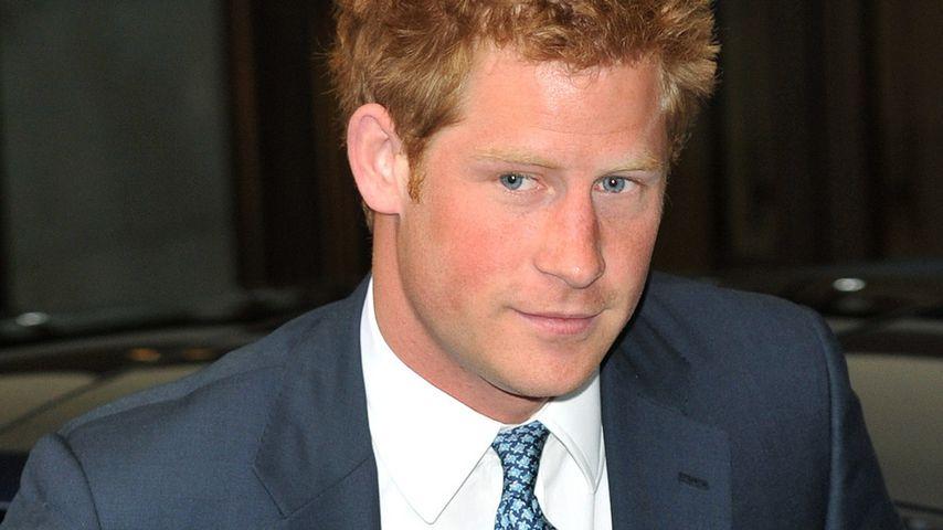 Prinz Harrys royales Genital wurde fies beleidigt!