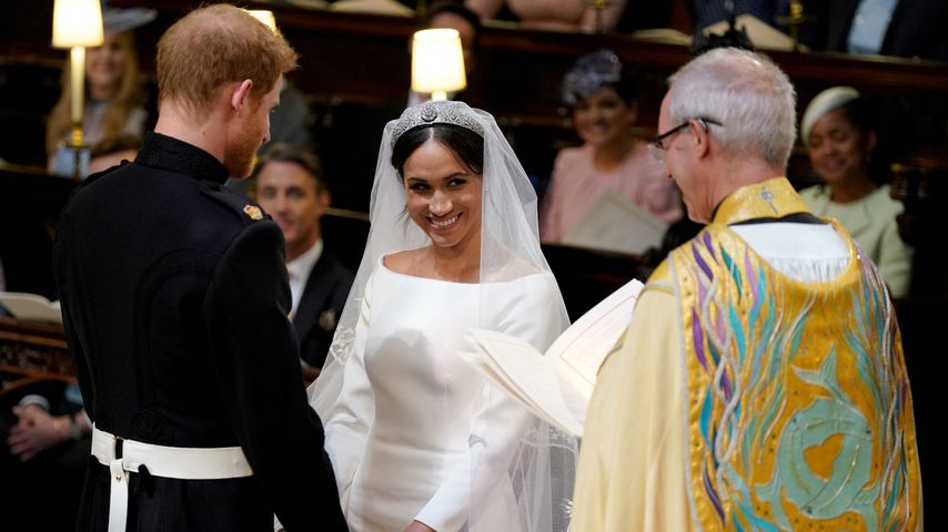 Teurer als erwartet! So viel ist Meghans Brautkleid wert
