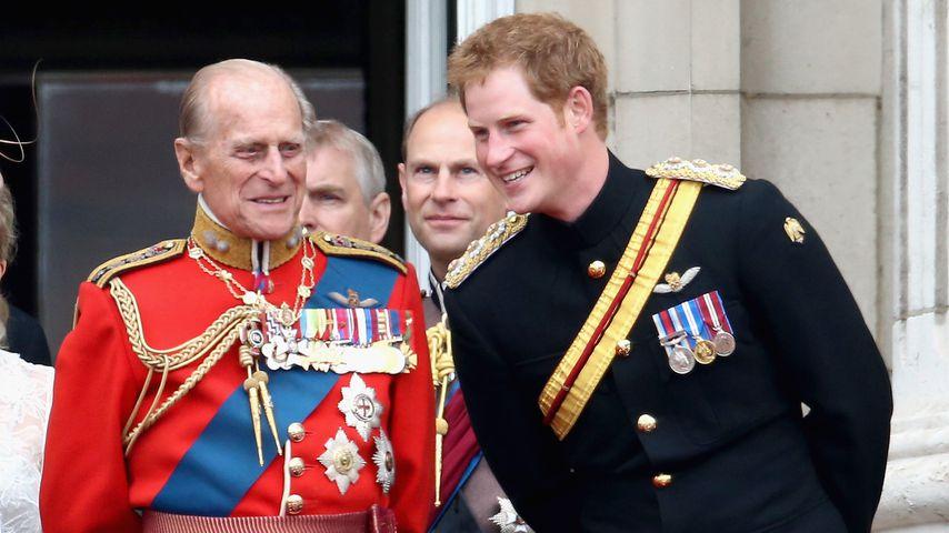 Prinz Philip und Prinz Harry in London 2014