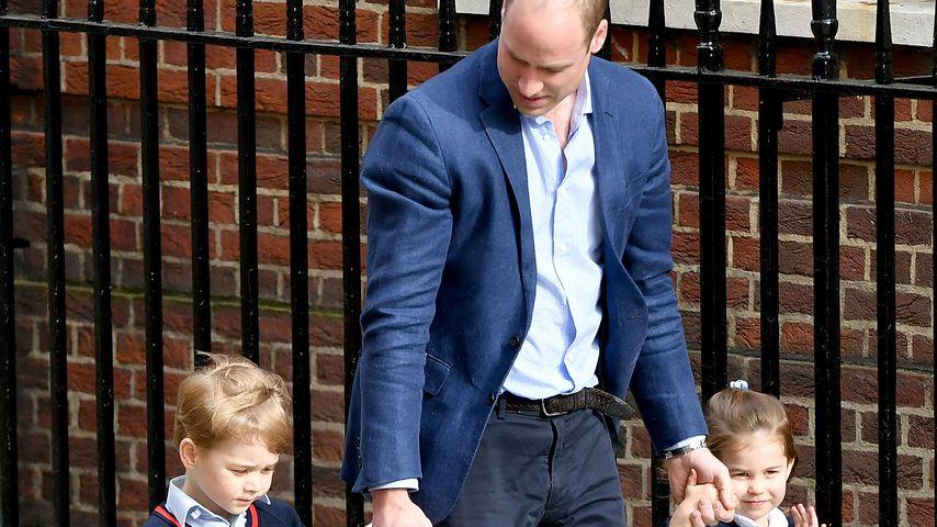 Prinz George mit Papa Prinz William und Schwester Charlotte