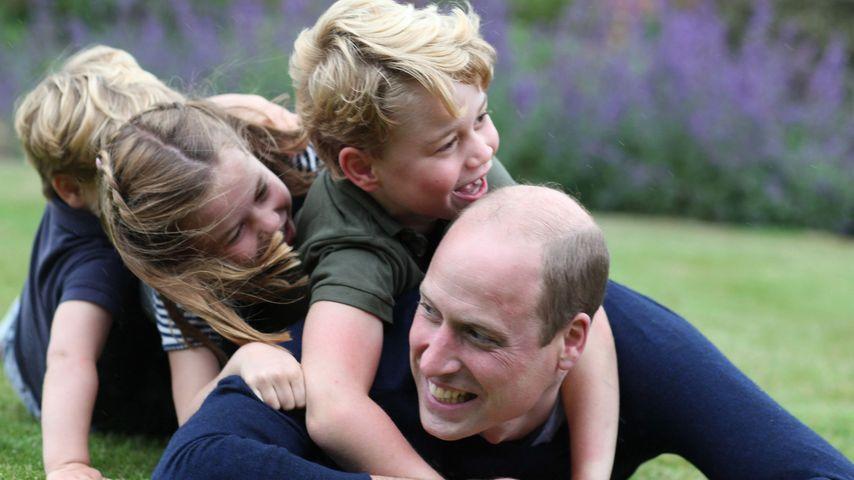 Noch ein Bild: So ausgelassen tobt William mit seinen Kids!