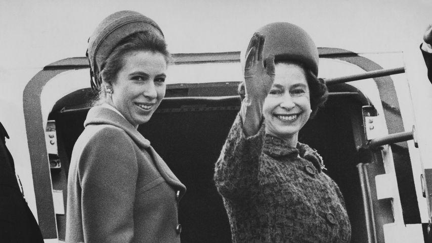 Prinzessin Anne und Queen Elizabeth II. im März 1970 in London