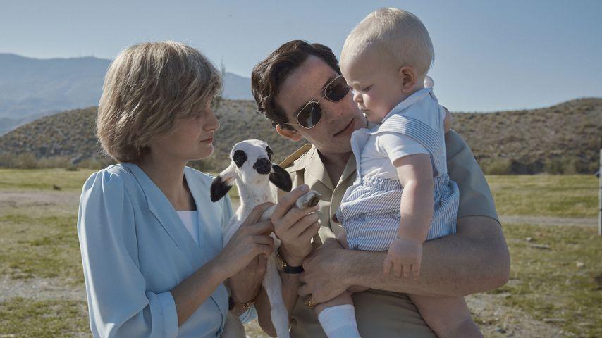 """Prinzessin Diana (Emma Corrin) und Prinz Charles (Josh O'Connor) mit Prinz William in """"The Crown"""""""