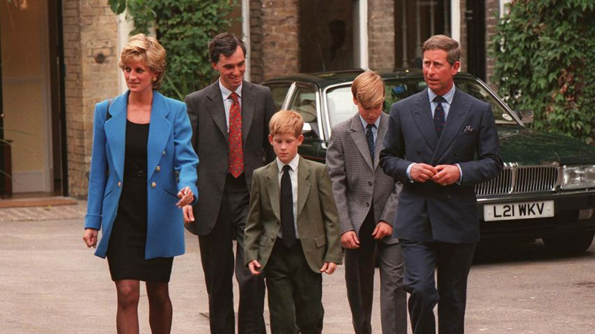 Prinzessin Diana, Prinz Harry, Prinz William und Prinz Charles 1995