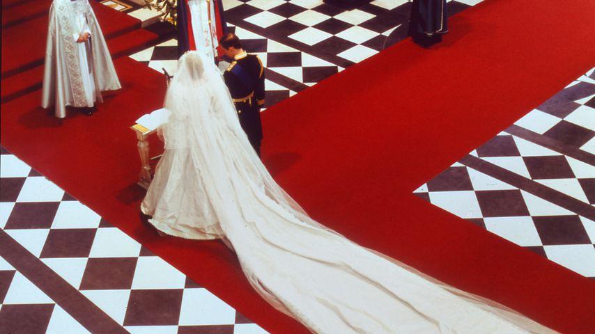Prinzessin Diana und Prinz Charles bei ihrer Hochzeit im Juli 1981