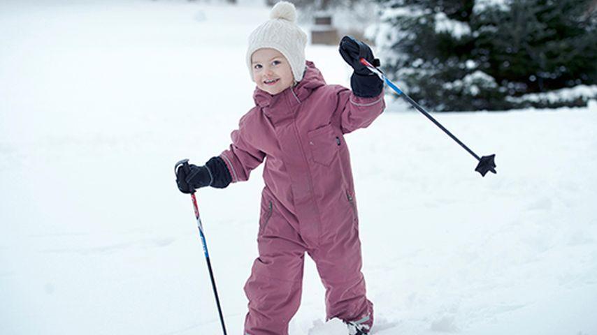 Eis-Engel Estelle: Schweden-Royal feiert im Schnee