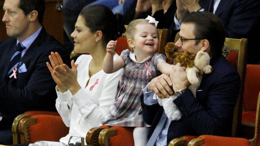 Prinzessin Victoria, Prinzessin Estelle und Prinz Daniel von Schweden bei den Tennis Stockholm Open
