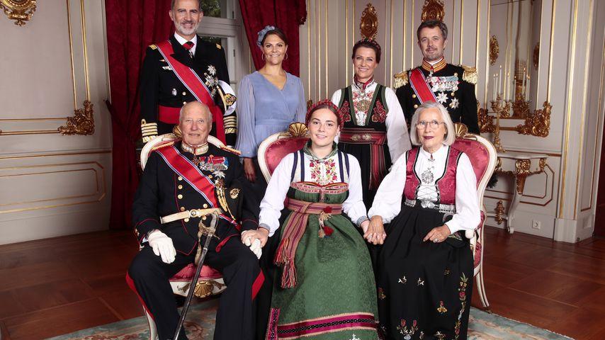 Prinzessin Victoria mit ihrem Patenkind Prinzessin Ingrid Alexandra und andere Royals