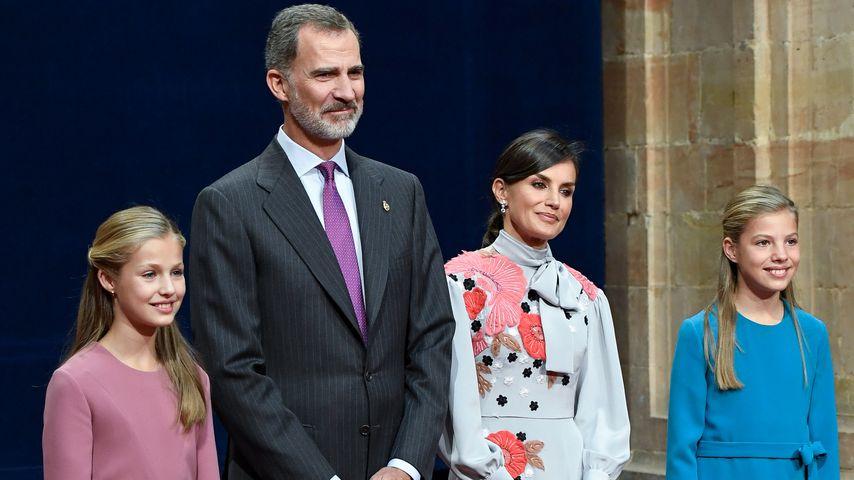 Als Familie: Letizia zeigt sich mit ihren Töchtern in Oviedo