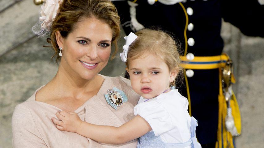 Prinzessin Madeleine von Schweden und ihre Tochter Leonore bei der Taufe von Prinz Oscar im Mai 2016
