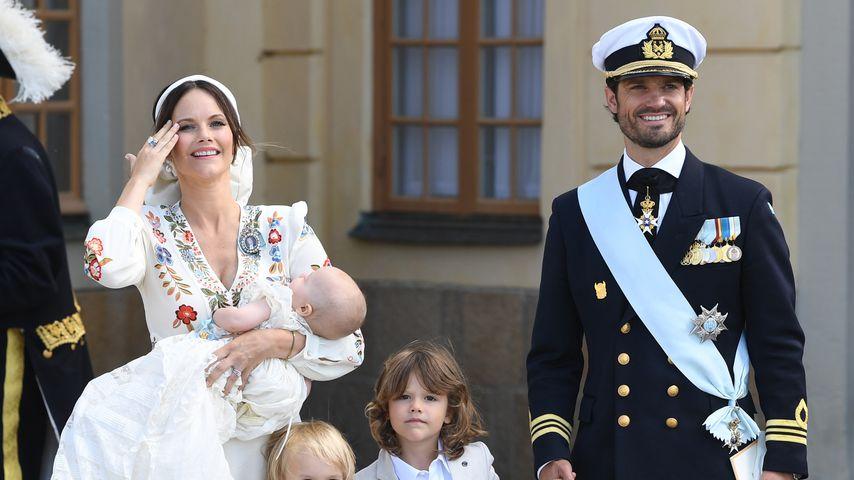 Prinzessin Sofia, Prinz Carl Philip mit ihren Kids bei Prinz Julians Taufe