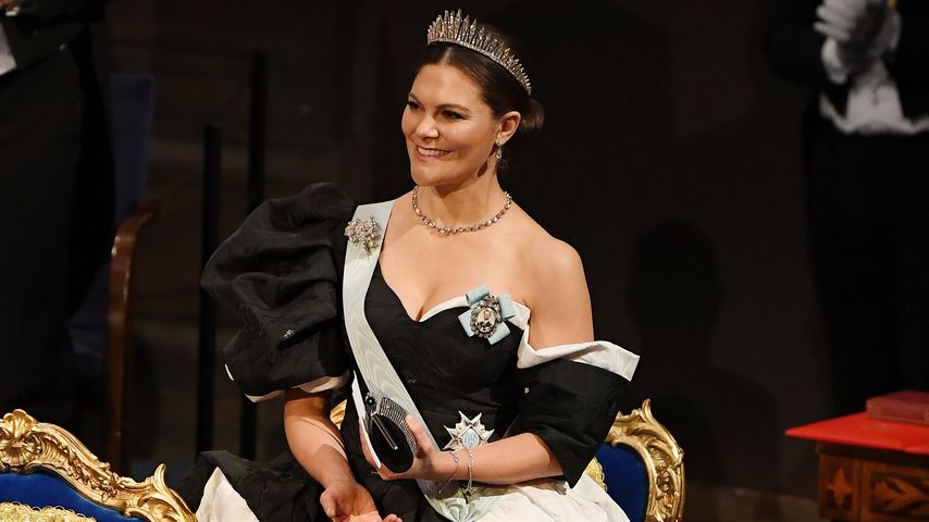 Prinzessin Victoria zeigt tiefes Dekolleté beim Nobelpreis