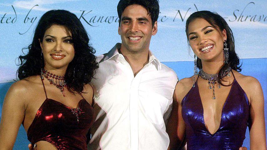 Priyanka Chopra, Akshay Kumar und Lara Dutta bei einem Event 2003 in Bombay